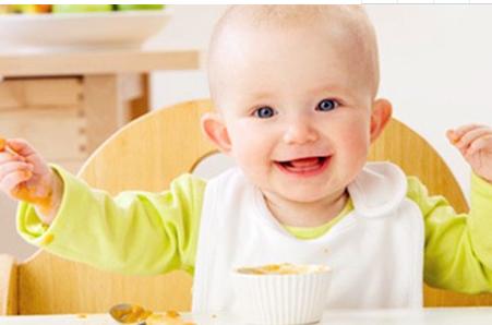 试管婴儿宝宝喂奶的正确方法